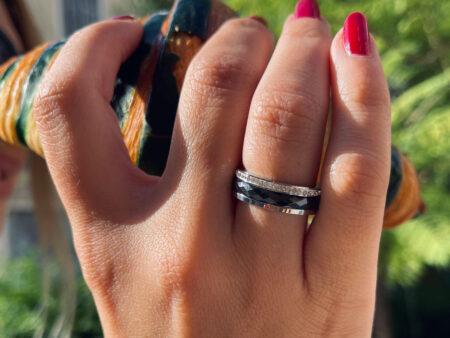 """Ατσάλινο δαχτυλίδι σε ασημί χρώμα """"Blackstone"""""""