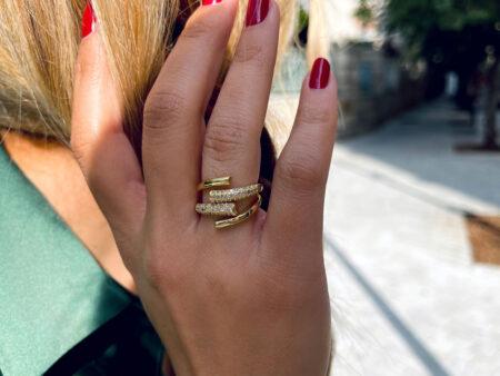 """Χρυσό ατσάλινο δαχτυλίδι με ζιργκόν """"Magnetic"""""""